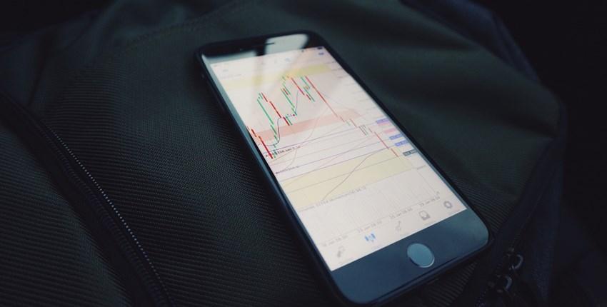 中裕上周五股價上漲1.96%、收312元,順勢突破均線,KD指標也呈現多頭。