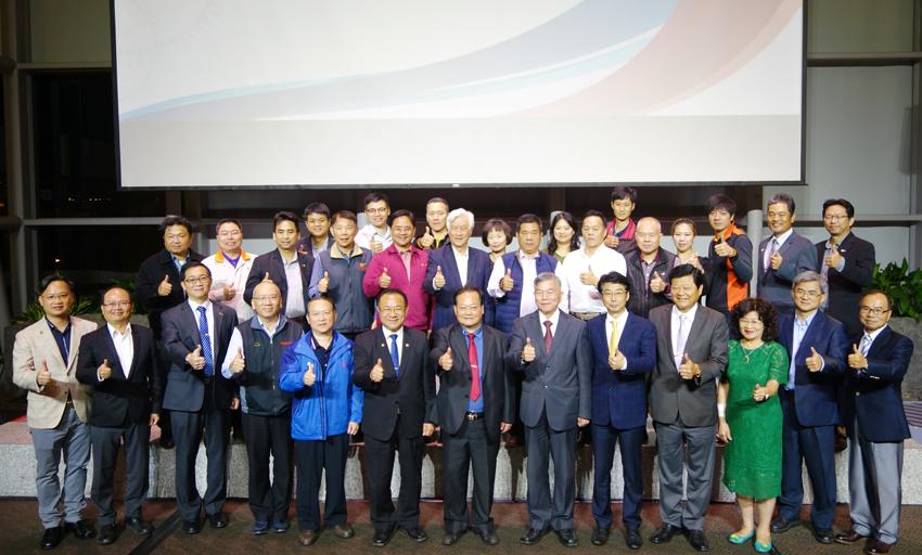 義大醫療智慧醫療中心昨(17)日舉行揭牌啟用典禮。